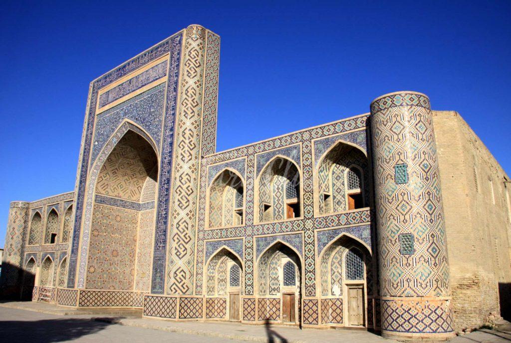 Abdulazizkhan 1024x689, Topstartour.com
